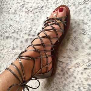 AMERICAN EAGLE LACE UP ANKLE WRAP BRONZE SANDALS 7